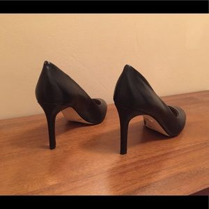 Saks Fifth Avenue Shoes - Saks Fifth Avenue Black Leather Pumps